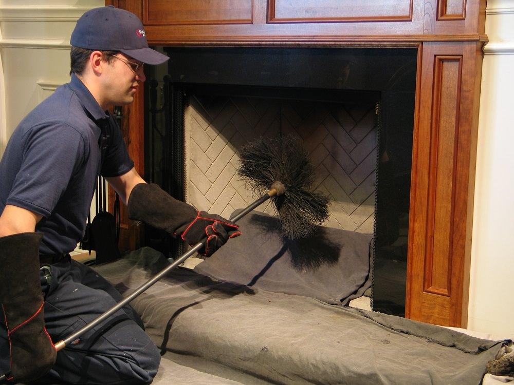 Профессиональная чистка дымоходов о печей прочистка дымохода снизу